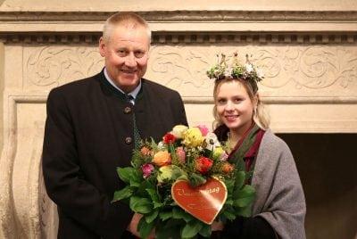 Karl Lackner mit Blumenkönigin Eva II
