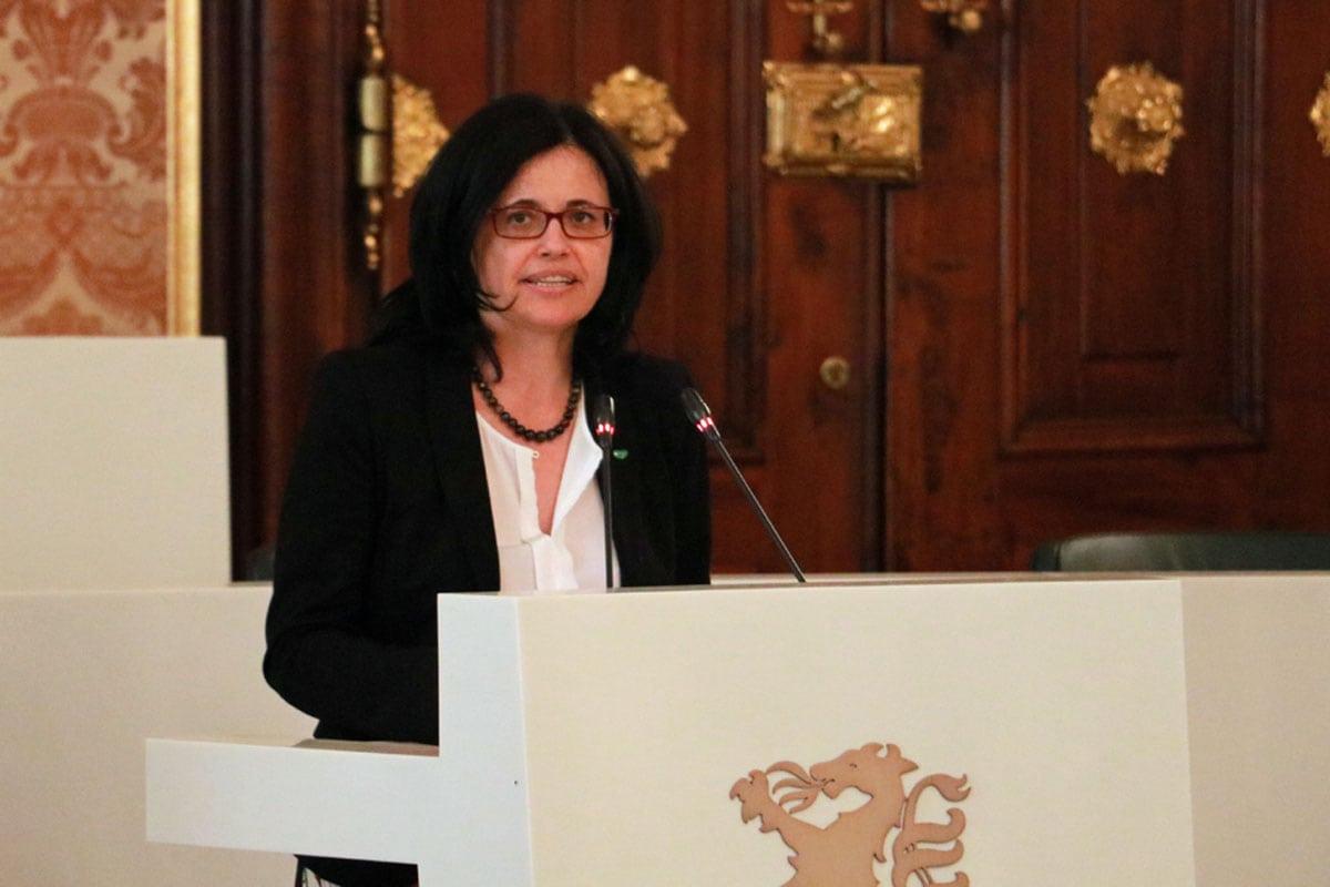 Sandra Holasek