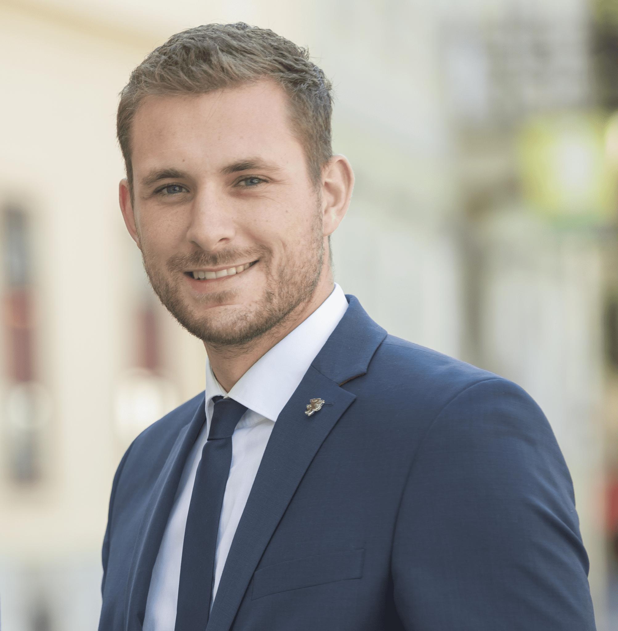 Dr. Matthias Pokorn