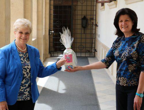 KO Riener gratuliert Zweiter Landtagspräsidentin a.D. Burgi Beutl zum 75er