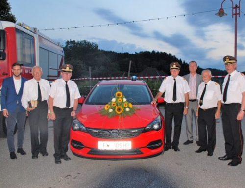 1. Bereichsfeuerwehrtag mit Mitgliederehrung und Fahrzeugsegnung in Hochenegg bei Ilz